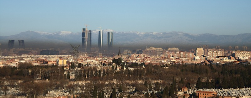 <center><i>Madrid, ven y contamínate</i></center> madrid humo