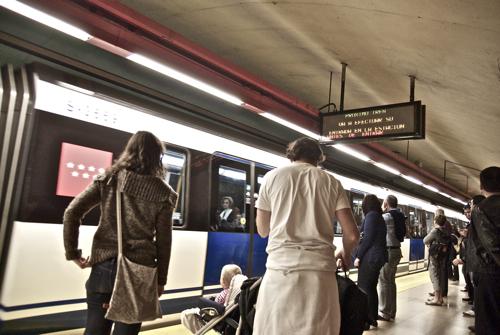 <center><i>¿Crisis económica o modelo ideológico?</i></center> metro