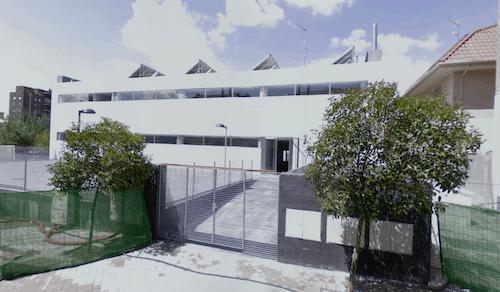 Zona retiro polideportivo fuente del berroperi dico for Piscina fuente del berro