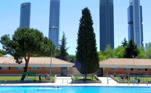Zona retiro el 1 de junio de 2013 abren al p blico las for Piscinas verano madrid
