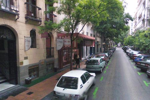 Zona retiro atraco a plena luz del d a en una plater a de - Calle castello madrid ...