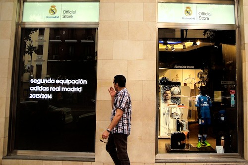 tienda real madrid goya (1)  El Real Madrid Fútbol Club abre una nueva tienda oficial en la calle Goya tienda real madrid goya 1
