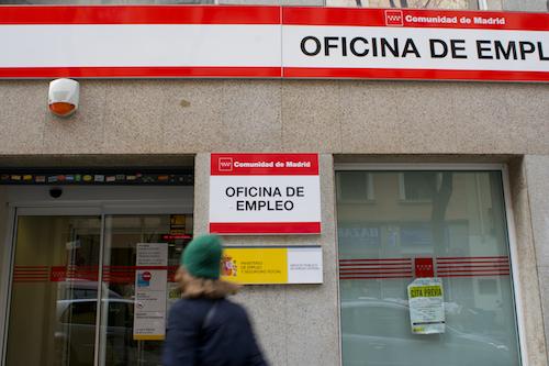 Zona retiro el n mero de madrile os parados baja en for Oficina de empleo madrid