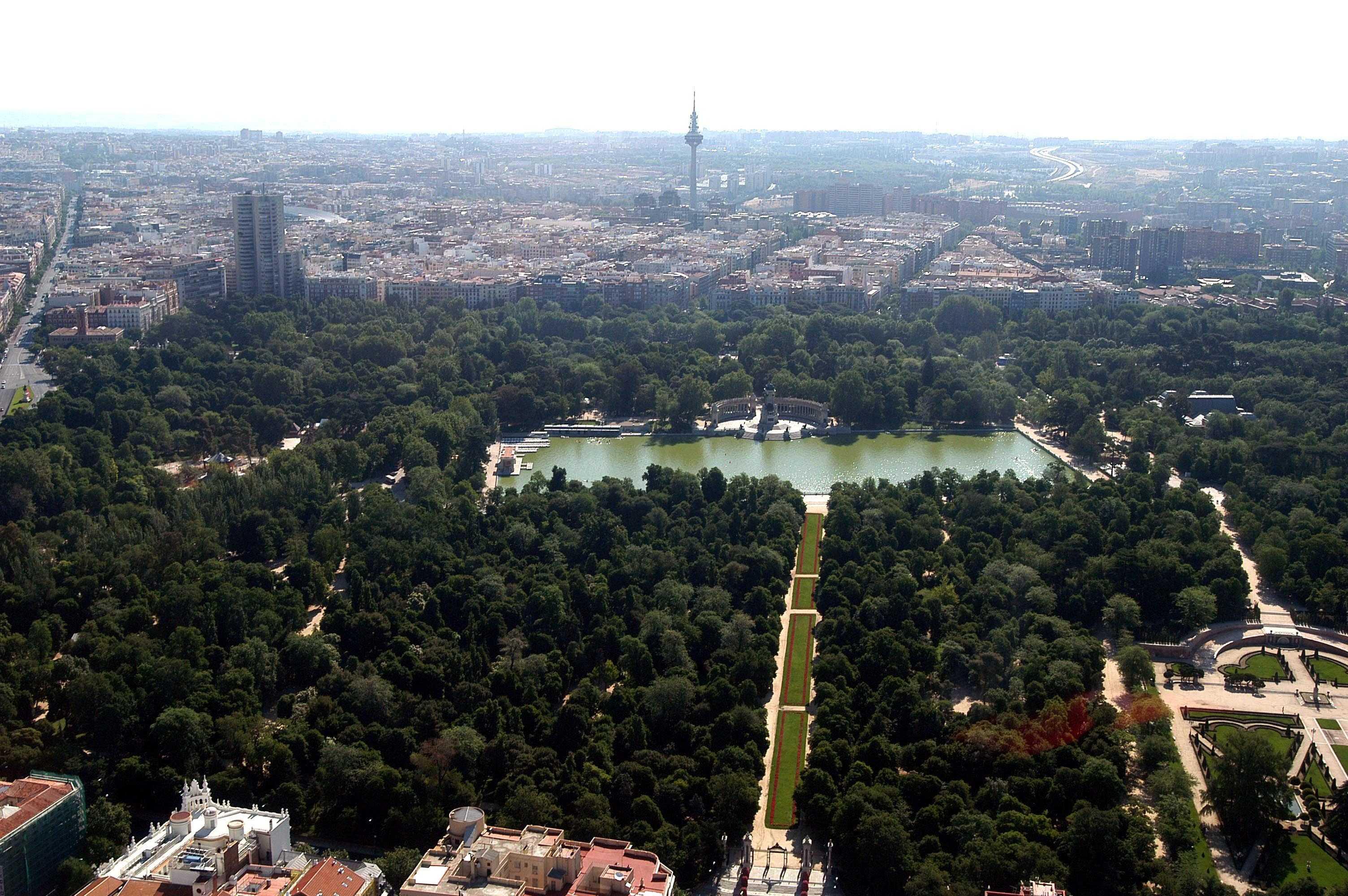 El retiro y el prado en la lista para ser patrimonio for Parques de madrid espana