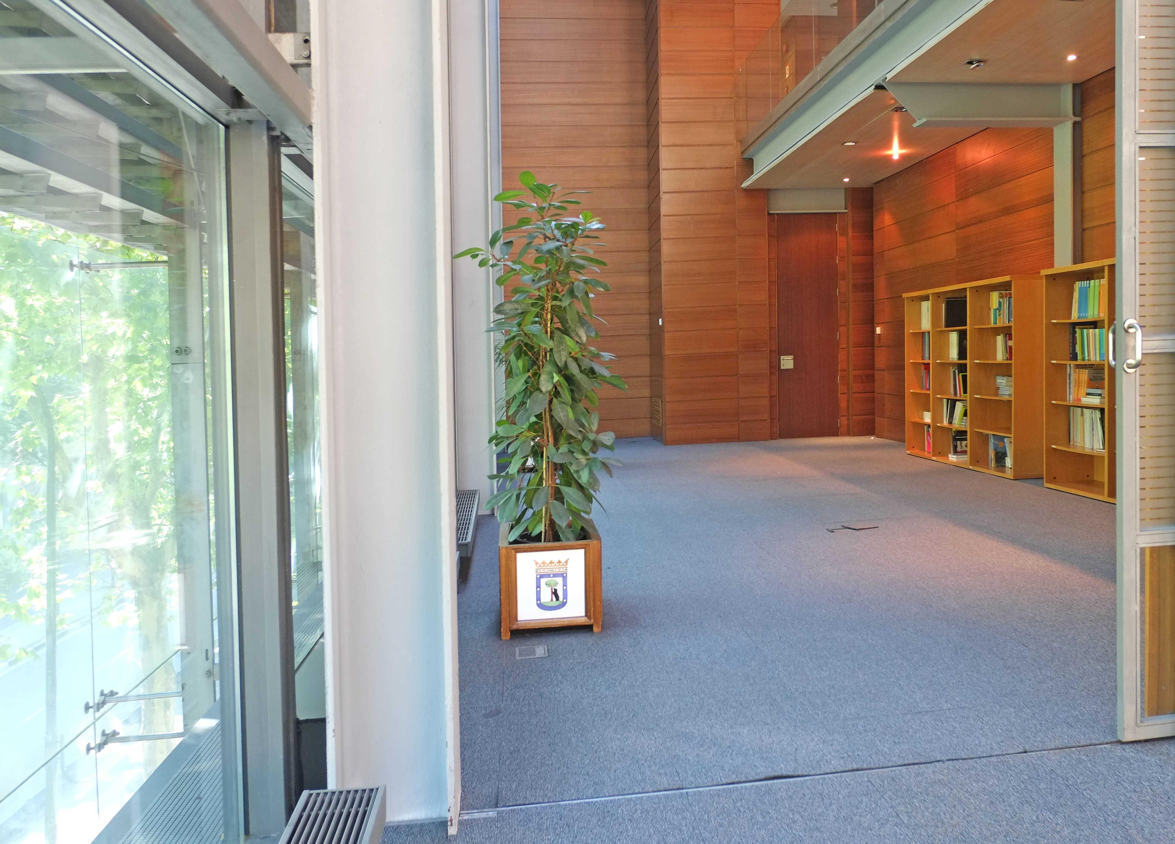 Zona retiro carmena destina un despacho de la junta de - Despachos grandes ...
